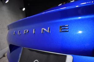 アルピーヌ-8