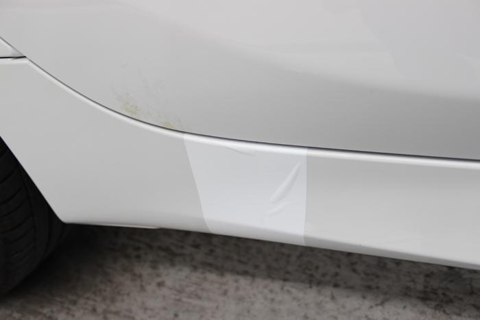 BMW 218d アクティブツアラー アルピンホワイト ラップガードシワ2
