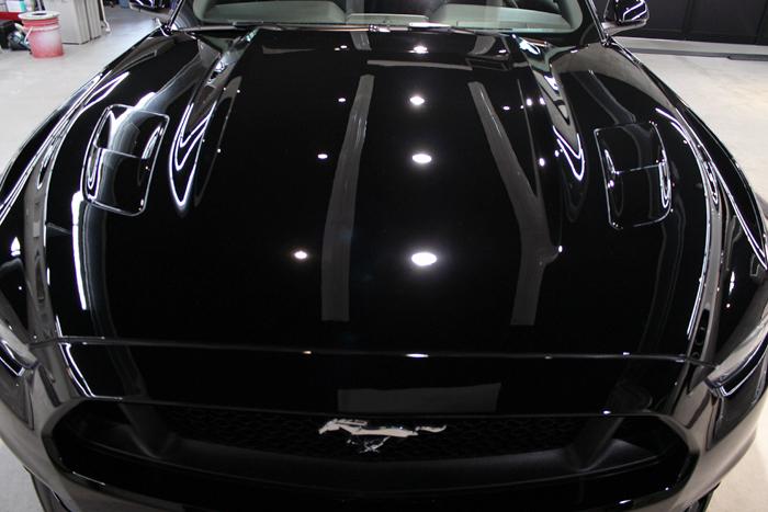 フォード マスタング ブラック ボンネット施工後