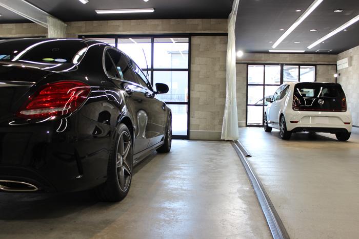 店舗内画像 メルセデスベンツ C200 VW UP GTI