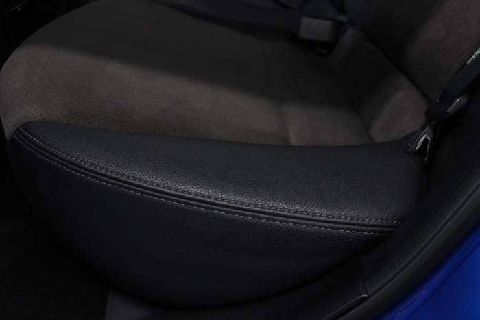 スバル WRX STI シートコーティング リアシート左 レザー