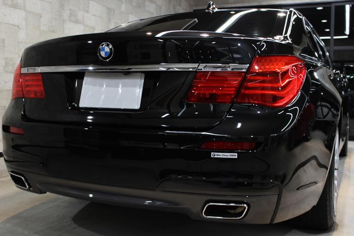 BMW 740i Mスポーツ ブラックサファイア マフラー