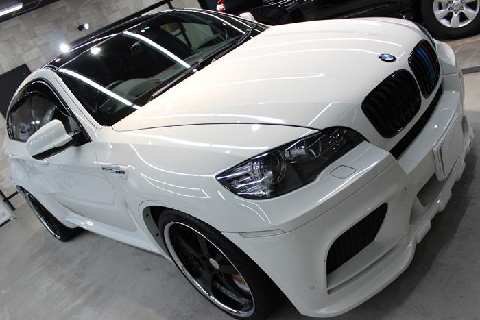 BMW X6 M アルピンホワイト ヘッドライト