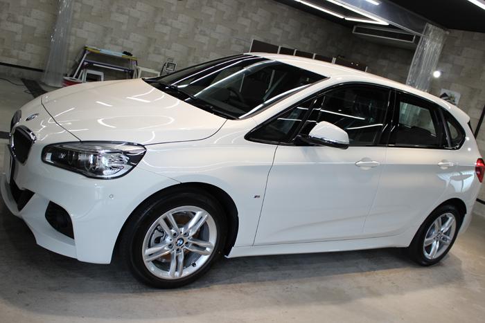 BMW 218d アクティブツアラー アルピンホワイト Mスポーツ 左ホイール