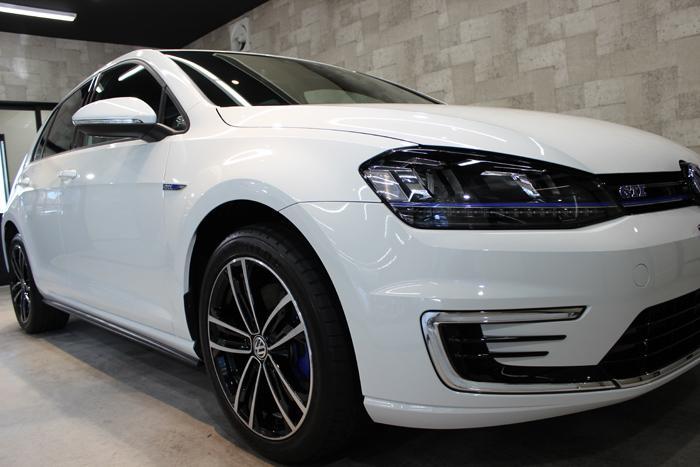 フォルクスワーゲン ゴルフ GTE ピュアホワイト ヘッドライト