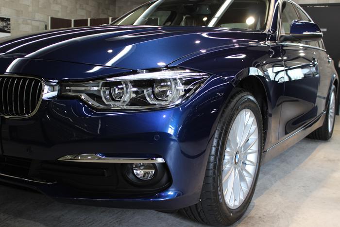 BMW 320d ラグジュアリー メディテラニアンブルー ヘッドライト