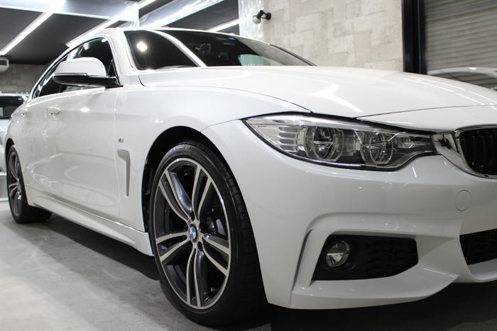 BMW 4シリーズ グランクーペ アルピンホワイト ヘッドライト