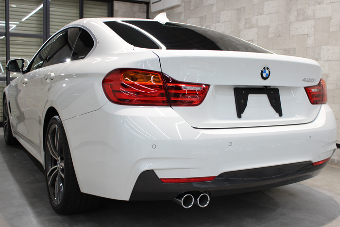 BMW 4シリーズ グランクーペ アルピンホワイト リアバンパー