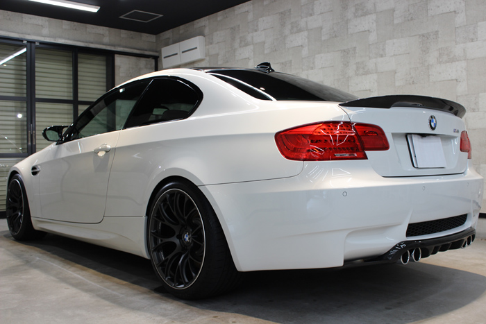 BMW M3 アルピンホワイト マフラー