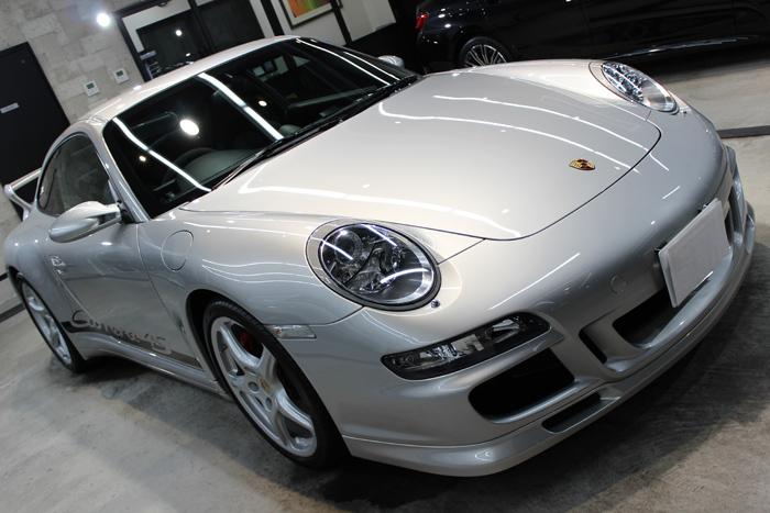 ポルシェ 911カレラ4S シルバー ボンネット