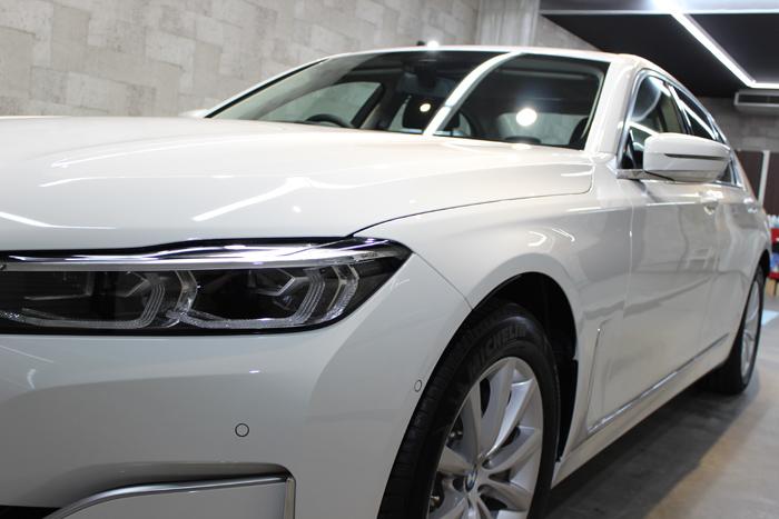 BMW 740i アルピンホワイト ヘッドライト