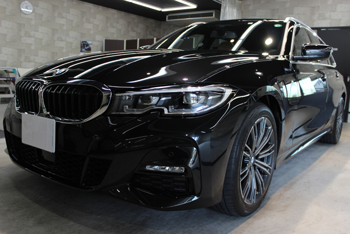 BMW 320d ブラックサファイア フロントバンパー左