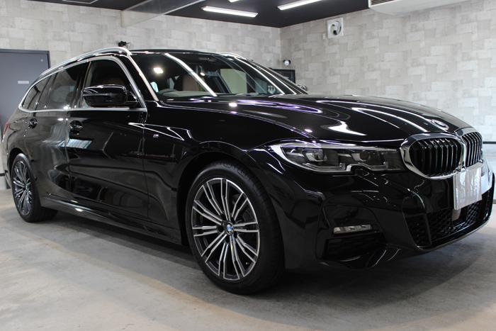 BMW 320d ブラックサファイア フロントバンパー右