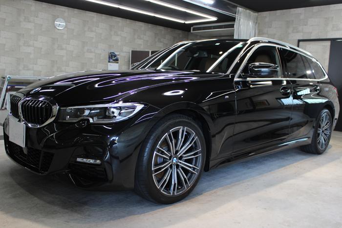 BMW 320d ブラックサファイア ホイール左