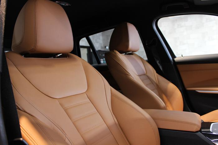 BMW 320d ブラックサファイア シートコーティング