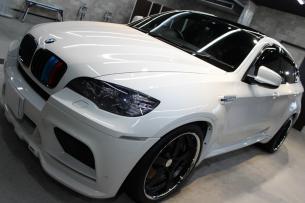 BMW X6 M アルピンホワイト ボンネット1