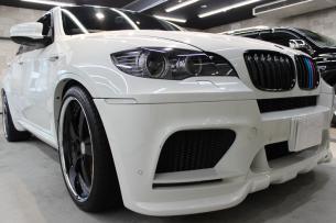 BMW X6 M アルピンホワイト キドニーグリル