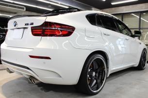 BMW X6 M アルピンホワイト ホイール