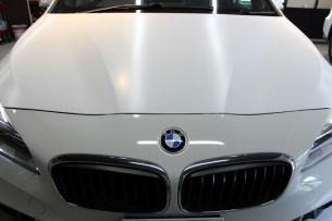 BMW 218d アクティブツアラー アルピンホワイト ラップガード1