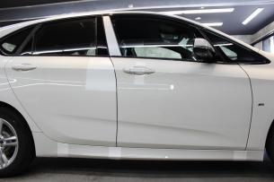 BMW 218d アクティブツアラー アルピンホワイト ラップガード2