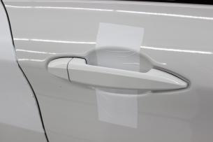 BMW 218d アクティブツアラー アルピンホワイト ラップガードシワ1