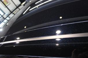 トヨタ カムリ アティチュードブラックマイカ モデリスタ 施工後ルーフ