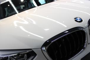 BMW X3 アルピンホワイト Mスポーツ ボンネット