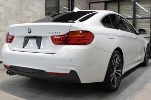 BMW 4シリーズ グランクーペ アルピンホワイト 右ホイール