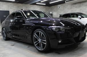 BMW 320i Mスポーツ ブラックサファイア ホイール右