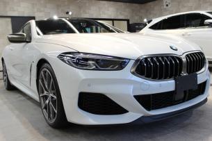 BMW M850i xDriveクーペ ミネラルホワイト フロントバンパー
