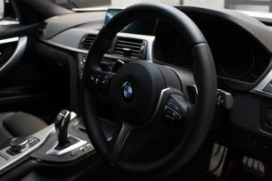 BMW 320d シートコーティング ダコタレザーステアリング