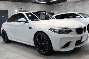BMW M2 アルピンホワイト ホイール右