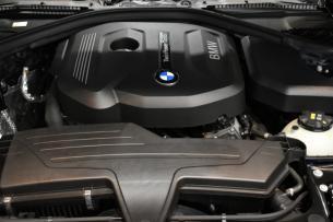 BMW 318i 完成エンジンルーム-2