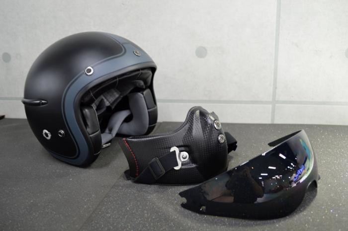 helmet05.jpg