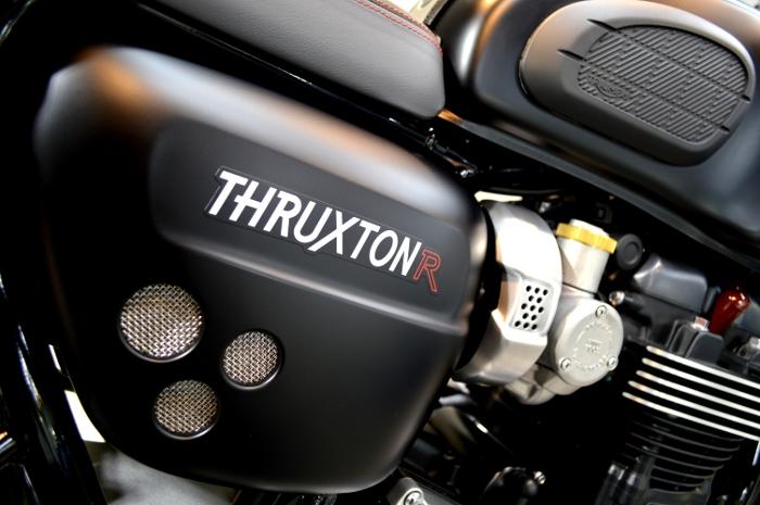 thruxtonr-05b.jpg