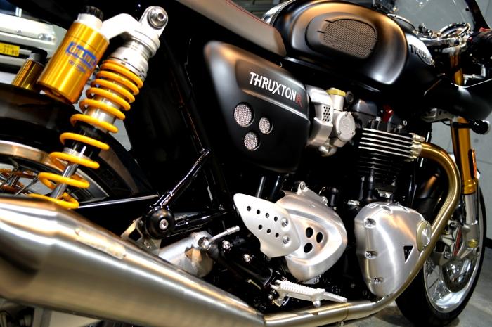 thruxtonr-08b.jpg