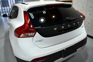 V40-10