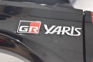GRヤリス-10