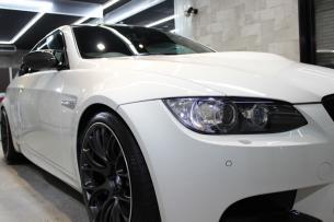 BMW M3 アルピンホワイト ヘッドライト