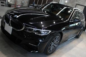 BMW 320d ブラックサファイア ボンネット左