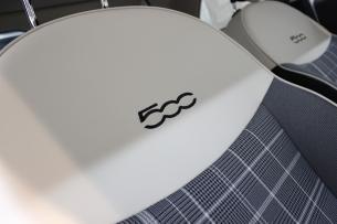 フィアット 500 ボサノバホワイト シートコーティング 運転席 アップ