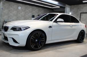 BMW M2 アルピンホワイト ホイール左
