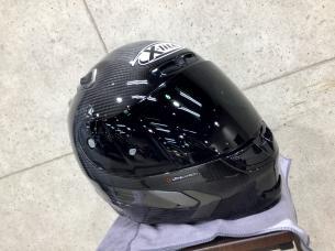 カーボンヘルメット 1