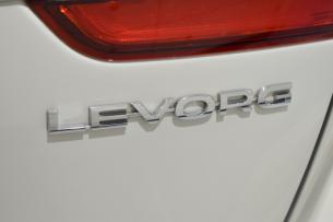 レヴォーグ-11